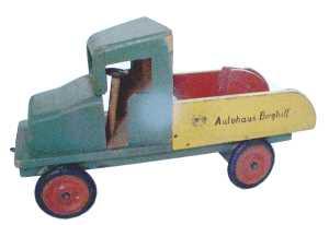Spielzeug Lastwagen der deutschen Nachkriegszeit